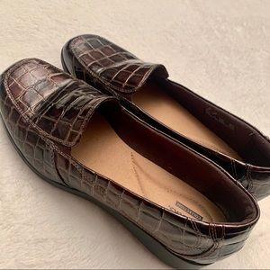 Clarks Shoes - EUC Clark's faux crocodile skin loafers